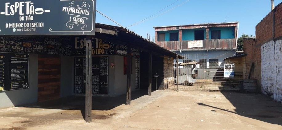 Sobrado geminado à venda na avenida Mamoré