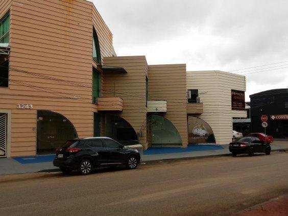 Excelente prédio comercial  com 3 pavimentos na  Av. Calama, confiram!