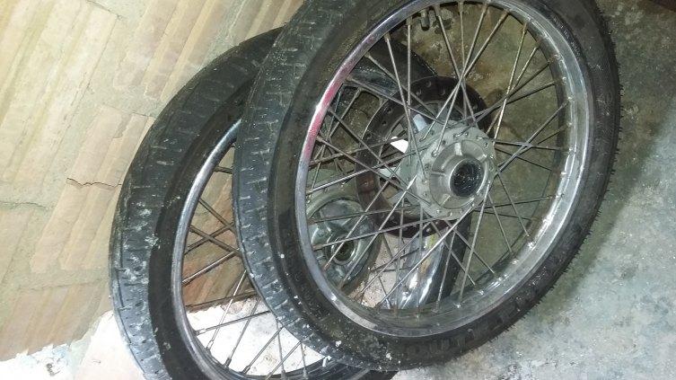pneus e aros completos