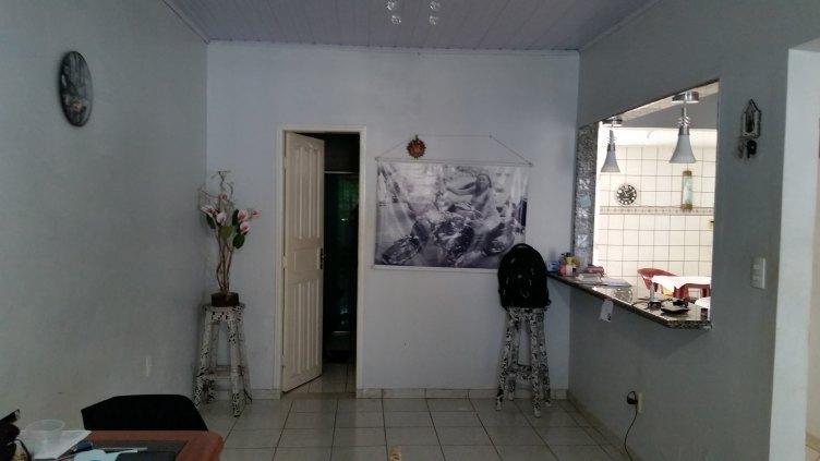 Casa bairro Flodoaldo P Pinto