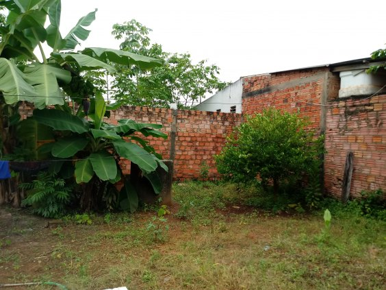 Casa no Bairro Lagoinha, com três quartos, confiram!