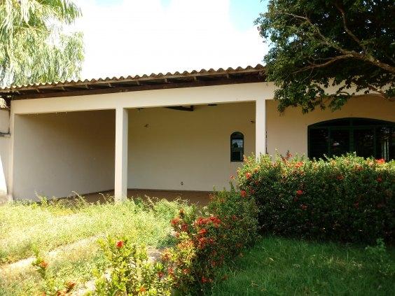 Casa comercial  ou residencial na Rua Brasília, confiram!