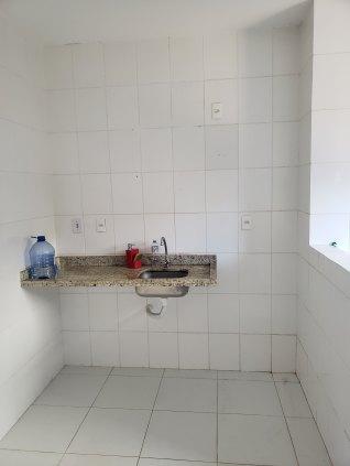 Vende-se Lindo Apartamento no Bairro Alphaville - 2 Quartos sendo 1 Suíte (Tel. 3229-7254)