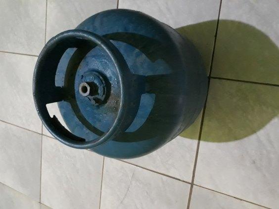 Botija de gás vazia 13kg.