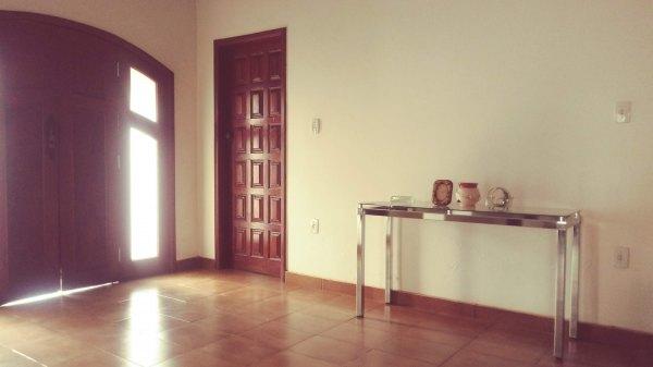 Área de  1672m² em Bairro Nobre, c/ excelente casa.