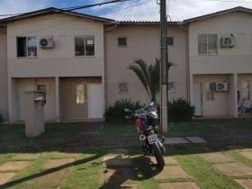 Vende-se Sobrado no Total  Ville