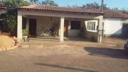 Confortável residência condomínio fechado Villa Verde