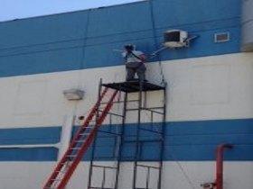 Limpeza e manutenção de central de ar.