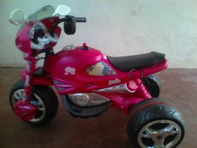Moto elétrica da Barbie
