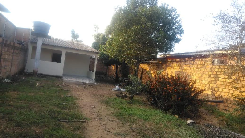 Vende-se uma casa no bairro Cuniã