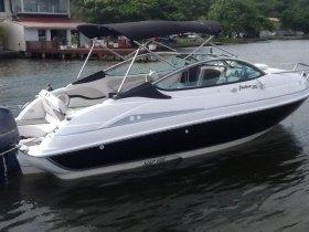 Lancha focker 215 cabinada motor yamaha 200hp