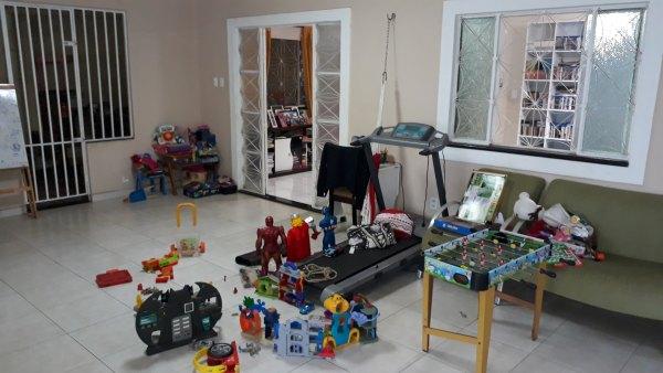 Vendo casa em excelente localização no Bairro Olaria