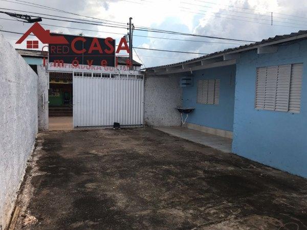 Casa de esquina em ótima localização no bairro Aponiã - VENDA