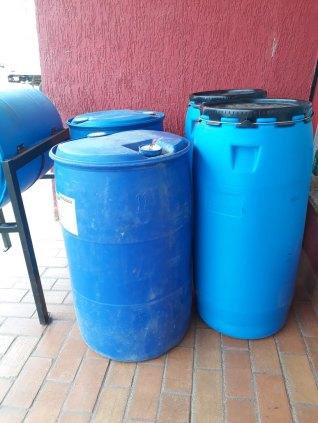 Bombonas vazia de  200, 50, 30 e 25 litros