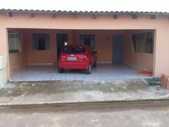 Casa Condomínio no Vitória Régia.