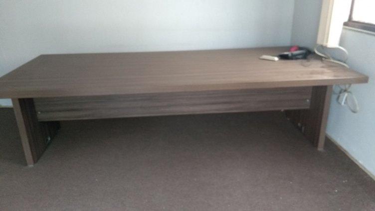 Mesa grande para reunião