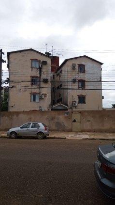 Vendo um apartamento no Condomínio Vivar