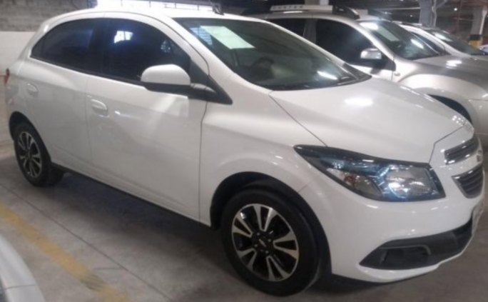 Chevrolet Onix LTZ, 1.4 Flex, manual, completo, 66.000 km, 2015