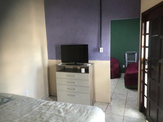 Aluga-se um apartamento mobiliado