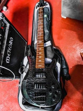 Baixo Yamaha TRB1005