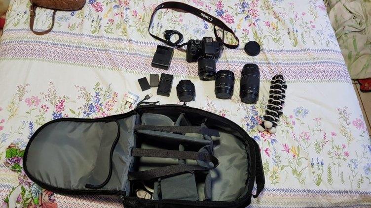 Câmera Canon T6i + Lente 10-18mm + 18-55mm + 75-300mm + 50mm + SD 64gb + bolsa + 2 bat extra + Tripé