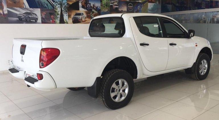 Marca: Mitsubishi  Modelo: L-200 Triton GLX