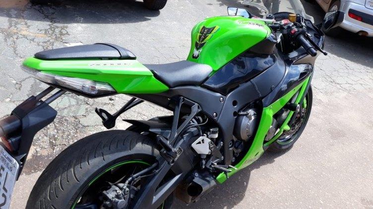 Kawasaki Ninja ZX10R 1000 Cilindrada