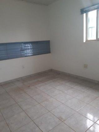 Alugo Prédio Comercial de Esquina - Av. amazonas Bairro Nova Porto Velho
