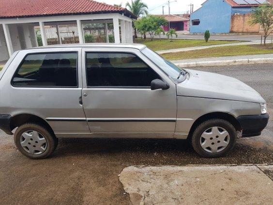Vende-se carro Fiat Uno