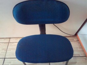 Três Cadeiras de escritórios