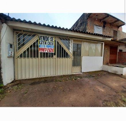 Casa contendo 2 dormitórios, banheiro social garagem para 1 vaga coberta