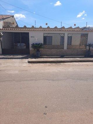 VENDO CASA 03 QUARTOS - BAIRRO 4 DE JANEIRO