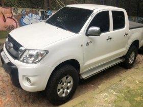 Toyota Hilux, 4x4, CD, 2.5 diesel, manual, 118.000 km, 2011