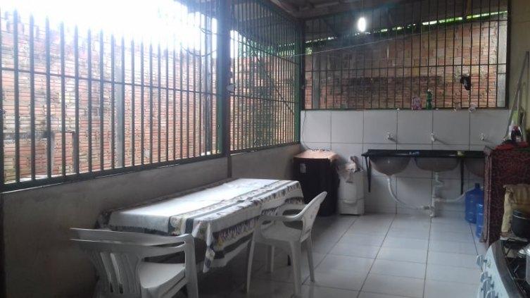 casa a venda bairro castanheira próximo a rua Pau Ferro