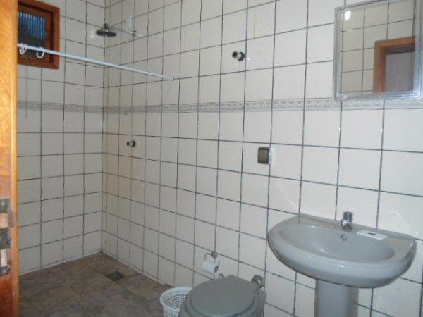 Casa no Mal. Rondon c/4q, sendo 3 suites. Já é financiada