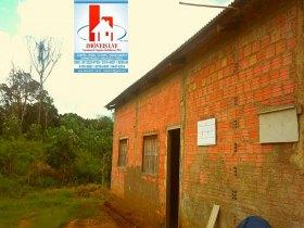 Excelente Chácara com casa ampla (em fase acabamento)  Linha do Caju,