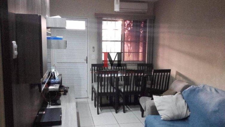 Vendemos casa com 3 quartos e piscina no Bairro Novo
