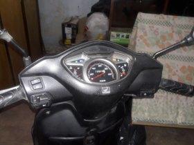 Moto lead estado de nova. 13/14 baixo km
