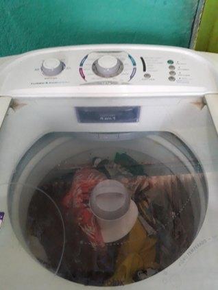 Vendo uma máquina de lavar Electrolux de 13 kilos