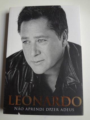 Livro: Leonardo. Não aprendi dizer adeus.