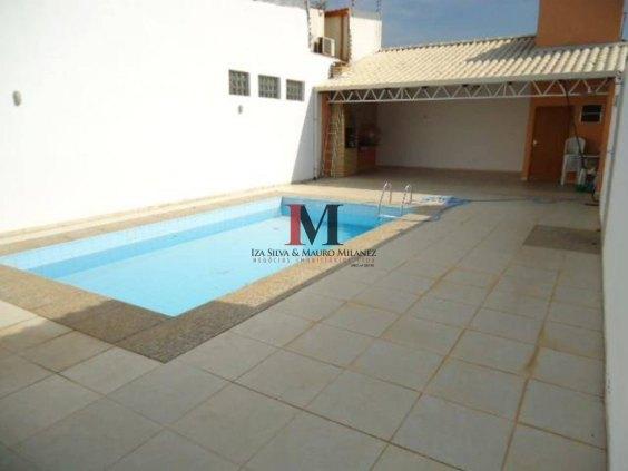 Vendemos casa com 2 quartos e piscina no bairro Mato Grosso
